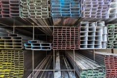Rektangulärt metallrør för konstruktion Royaltyfri Foto