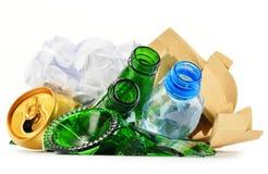 Rekupereerbaar huisvuil die uit glas plastic metaal en document bestaan Royalty-vrije Stock Fotografie