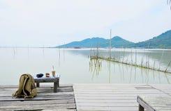 Relájese en el lago Imagen de archivo