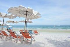 Relájese en la playa Imágenes de archivo libres de regalías