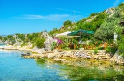 Relájese en la terraza verde, Kalekoy, Turquía Imagen de archivo libre de regalías