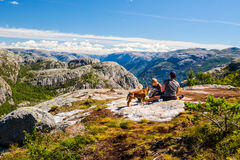 Relájese en montañas Fotos de archivo libres de regalías