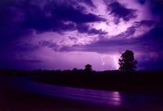 Relámpago púrpura fotografía de archivo libre de regalías
