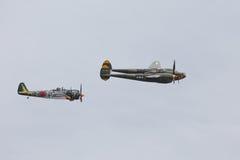 Relámpago P-38 y KI-43 Óscar Fotos de archivo libres de regalías