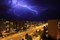 Relámpago, tormenta de la noche Fotos de archivo