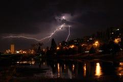 Relámpago y tempestad de truenos Imagen de archivo libre de regalías
