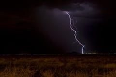 Relâmpago e céu escuro Fotografia de Stock Royalty Free
