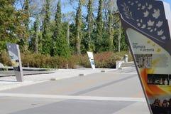 Relé de tocha exterior em Richmond Olympic Oval imagem de stock royalty free