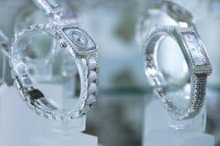 Relógio da prata das mulheres fotografia de stock