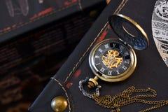 Relógio de bolso do ouro Fotografia de Stock