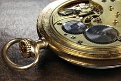 relógio de bolso do ouro 14k imagens de stock