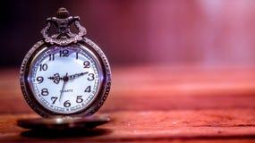 Relógio de bolso velho e antigo imagem de stock