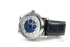 Relógio de pulso no fundo branco imagem de stock
