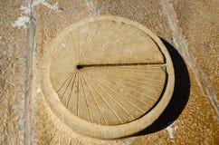 Relógio de sol antigo no forte de Jaisalmer, Índia Fotos de Stock