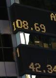 Relógio do mercado de valores de acção foto de stock