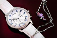 Relógio e jóia da Senhora fotografia de stock royalty free