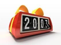 Relógio vermelho - contrário no presente branco do ano novo do fundo Fotos de Stock