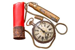 Relógios de bolso quebrados, caçando os cartuchos usados e correntes pequenas Imagem de Stock Royalty Free