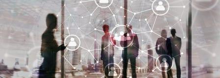 Relação dos povos e estrutura de organização Media sociais Conceito da tecnologia do negócio e de comunicação foto de stock