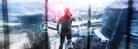 Relación de la gente y estructura de organización Media sociales Concepto de la tecnología del negocio y de comunicación imagenes de archivo