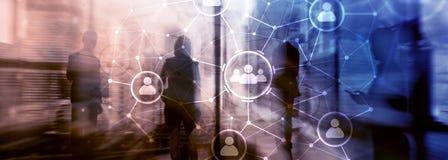 Relación de la gente y estructura de organización Media sociales Concepto de la tecnología del negocio y de comunicación foto de archivo libre de regalías