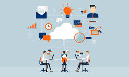 Relaciones de negocios en línea en tecnología de la nube Foto de archivo