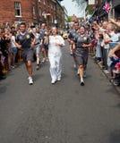 Relais olympique de torche Shrewsbury 2012 Angleterre Photographie stock libre de droits