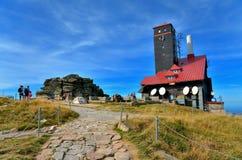 Relaisstation in den Bergen Stockfoto