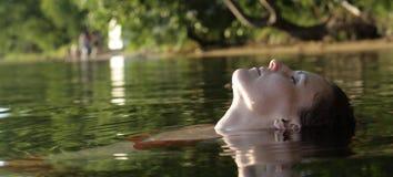 Relajación en agua Fotografía de archivo