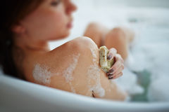 Relajación en baño Foto de archivo libre de regalías
