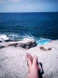 Relajación en el mar imagenes de archivo
