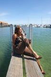 Relajación en el puerto deportivo Foto de archivo
