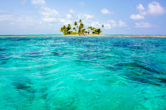 Relajación en la casa de playa fotografía de archivo libre de regalías