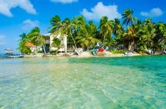 Relajación en la casa de playa imagen de archivo