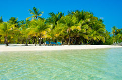 Relajación en la silla - isla hermosa Imagenes de archivo