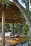 Relajación en las zonas tropicales imagen de archivo libre de regalías