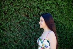 Relajado adolescente joven al aire libre Fotografía de archivo