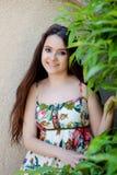 Relajado adolescente joven al aire libre Imagen de archivo libre de regalías