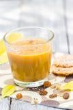 Relaje los añadidos del licor de café Imagen de archivo