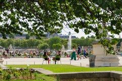 Relaks w parku kaflarnie Obraz Royalty Free