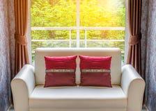 Relaks w pokoju hotelowym zdjęcie stock
