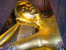 Relaksować Budda Wat Pho w Bangkok, Tajlandia Zdjęcie Royalty Free