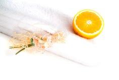 relaksu ręczniki w spa. Obrazy Stock