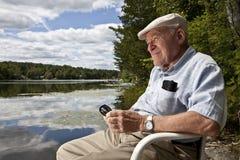 relaksujący mężczyzna senior zdjęcie stock