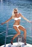 relaksujący dziewczyna jacht Zdjęcie Royalty Free