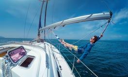 Relaksuje na łodzi zdjęcia royalty free