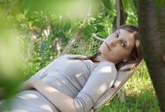 Relaksuje w ogródzie Zdjęcia Stock