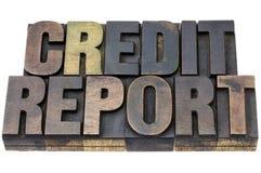 Relatório de crédito no tipo de madeira Fotos de Stock Royalty Free