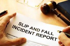 Relatório de ferimento do deslizamento e da queda foto de stock