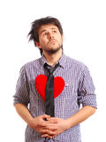 Relation étroite s'usante d'homme mignon drôle avec le coeur rouge Photos libres de droits